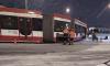 Фото: на Дыбенко трамвай сошёл с рельсов
