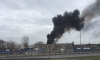 Юг Петербурга заволокло дымом из-за горящего мусора на Софийской