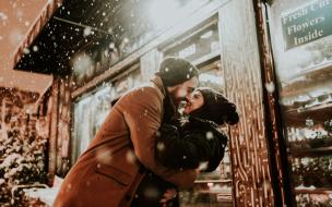 Влюбленным в Выборге на 14 февраля подарят билеты в театр
