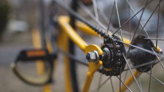 На Обводном семиклассник на велосипеде попал под колеса иномарки
