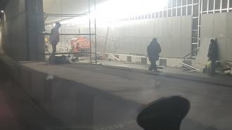 В Токсовском тоннеле грузовик сбил строительные леса: есть погибшие