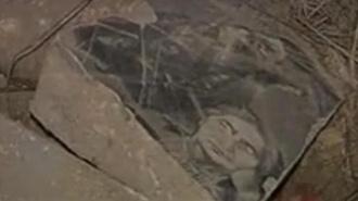 Под Баку мостят дорогу плитами с русско-армянского кладбища