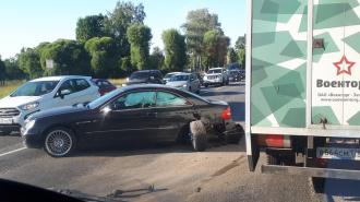 На Таллинском шоссе произошло ДТП с тремя машинами