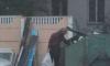 Красиво жить не запретишь: в Петербурге бомж катается на гироскутере