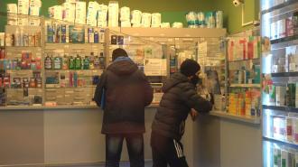 Петербуржец умер в аптеке с рецептом на лекарства от коронавируса в руках