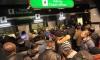 Поломка состава в петербургском метро: пассажиры брали поезда штурмом
