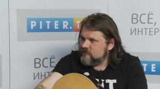 """На канале Piter.TV лидер группы """"Декабрь"""" Михаил Семенов"""