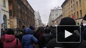 Протестующие в Петербурге возвращаются на Пионерскую площадь, здесь пройдет финальный сбор участников шествия