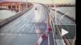 Видео: на ЗСД KIA разбилась всмятку о машину дорожных ...