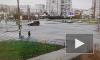 На пересечении улиц Десантников и Захарова KIA Rio поехал на красный свет и столкнулся с Гелендвагеном