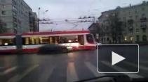 """В первый день весны по Петербургу пойдут челночные """"двухголовые"""" трамваи"""