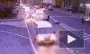 Мотоциклист сбил молодую девушку на Ждановской улице