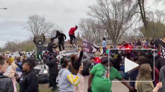 В Минессоте произошли столкновения жителей с полицией после смерти афроамериканца