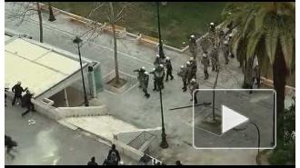 Против демонстрантов в Афинах полиция применила слезоточивый газ
