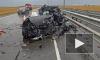 """В Крыму на трассе """"Таврида"""" кроссовер вылетел под фуру. Погибли автоледи и двое детей."""