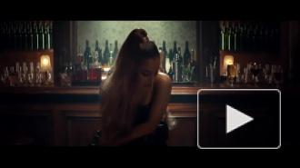 """Ариана Гранде управляет временем в новом клипе """"Breathin"""""""