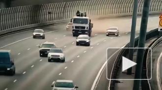 Видео: в аварии на КАД погибли двое