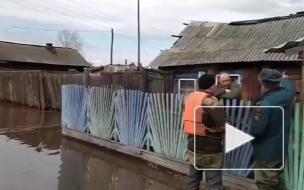 В пострадавшем от разлива реки поселке Иркутской области ввели режим ЧС