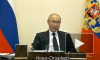 Путин поручил освободить от НДФЛ дополнительные выплаты врачам