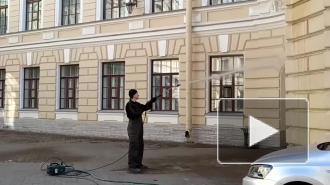 """Фасады петербургской капеллы и """"Пулково-3"""" вымыли после зимы"""