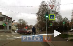 В Выборге водитель не поделил дорогу с велосипедистом