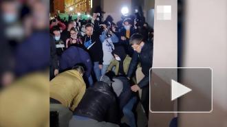 На незаконной акции в Волгограде распылили газ