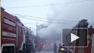 Спасатели эвакуировали 20 человек из горящей квартиры на Гончарной