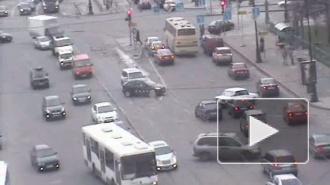 Разворот с препятствием. ДТП на улице Куйбышева.
