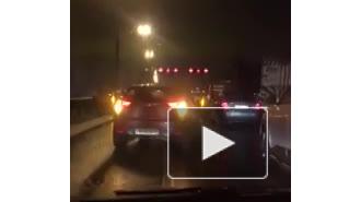 Видео: на КАД произошло ДТП с участием более десятка автомобилей