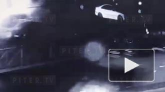 У ТЮЗа ночью сгорел Hyundai