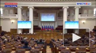 Путин призвал держать под контролем реализацию социальных мер
