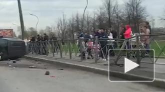 В жесткое ДТП на проспекте Ушинского попал каршеринг
