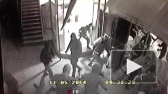 Драка в пиццерии в Краснодаре: видео попало в интернет, 10 человек с битами избили посетителей, 26-летний парень скончался