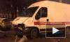 ДТП в Санкт-Петербурге: на Васильевском острове скорая помощь столкнулась с легковушкой и отлетела в столб