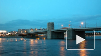 Петербурженка бросилась с Володарского моста, пытаясь покончить с собой