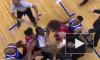 Жесткая драка тяжеловесных баскетболистов попала на видео