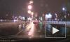 Появилось видео, как девушка выпала из автомобиля во время движения