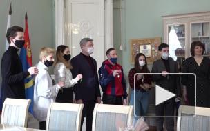 Ильдар Гилязов вручил ключи от квартир шести детям-сиротам