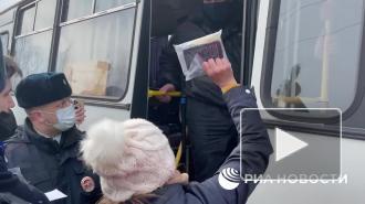 Полиция начала задержания у колонии, где сидит Навальный