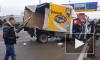 Страшное видео: в Москве трассу не поделили три фуры и легковушка