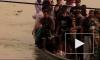 В Бангладеш ищут затонувший автобус. Во время аварии в салоне было 50 человек