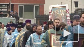 На молодежный Крестный ход в Петербурге собрались верующие в возрасте