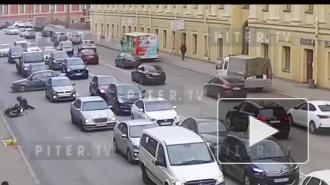 Daewoo Nexia сбила мотоциклиста на улице Глинки