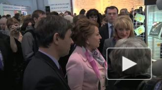 Гранин, Веллер и Чижова  открыли VI Международный книжный салон