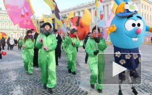Смешарики захватили Дворцовую площадь