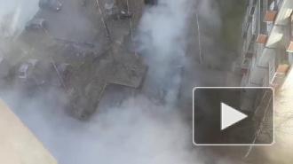 В Петербурге на проспекте Пятилеток образовалась сауна из-за прорыва трубы