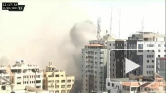 Израиль ударом ракет разрушил 11-этажное здание в Газе, где располагались офисы СМИ