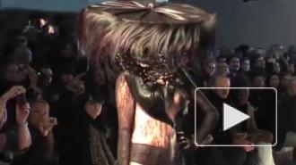 Портной Леди Гаги шокировал платьями из женских волос