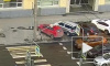 В Петроградском районе на автомобиль рухнул дорожный знак