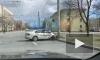Таксист влетел в столб на проспекте Непокоренных